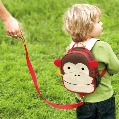 Skiphop Zoo Let Mini Backpack With Rein Bee skip hop zoo bee mini backpack with safety harness