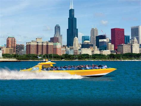 chicago boat ride tours 12 of chicago s best boat tours for seeing the city