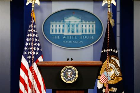 white house press room all clear after white house briefing room evacuated because of bomb threat breitbart