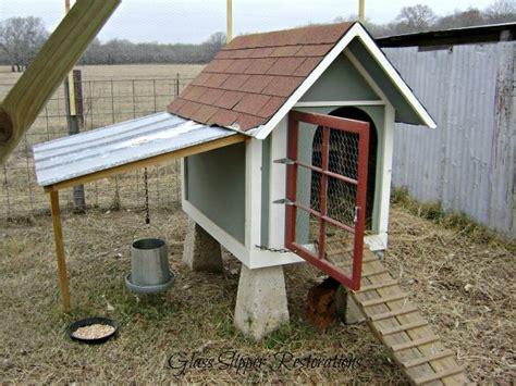 lada wood portatile repurposed doghouse into a chicken coop hometalk