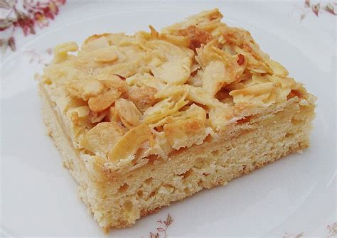 butter kuchen german butter cake with almond topping butterkuchen