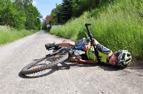 Auto Bild Fahrradfahrer by Fahrradfahrer Unfall Pergande P 246 The Gmbh