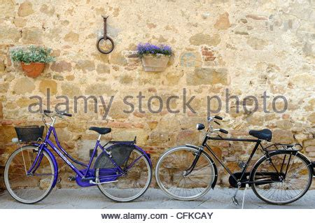 quaint town countryside view tapestry wall hanging h50 quot x w70 quot italy pienza tuscany hanging flower baskets along a brick