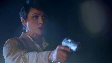 Gamis Sabrina Two Tone and the beast season 1 firearms