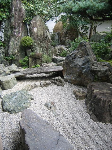 Building A Rock Garden Japanese Rock Garden Building Tips How To Decorating Homescorner