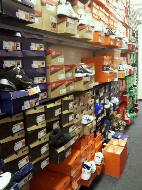rack room shoes closed shoe stores downtown las vegas nv reviews photos yelp