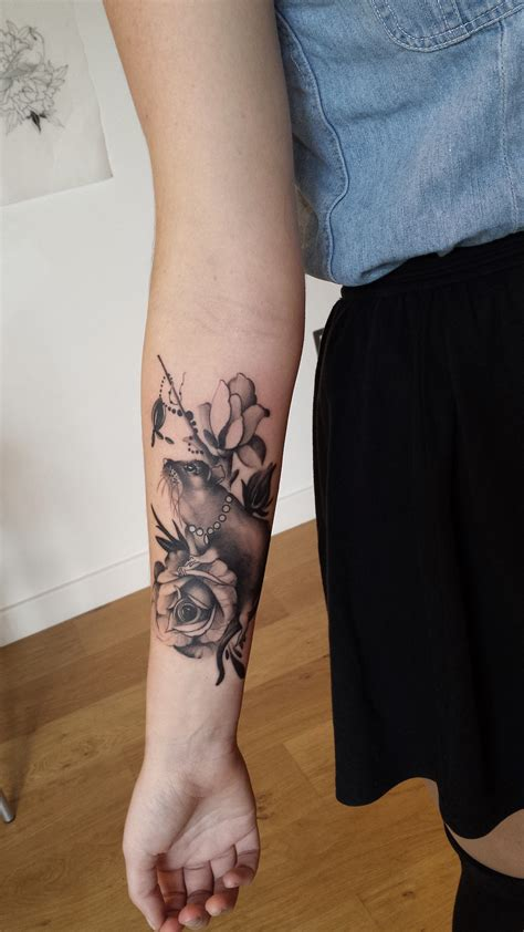 tattoo on front arm girltattoo rat with roses black and gray tattoo on front