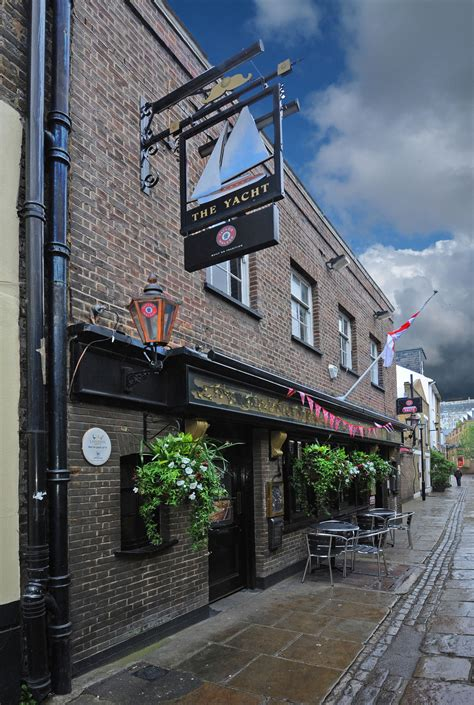 yacht pub greenwich s real ale pubs
