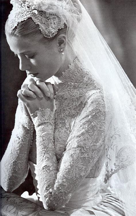 grace kelly grace kelly rainier iii prince of monaco wedding 1956