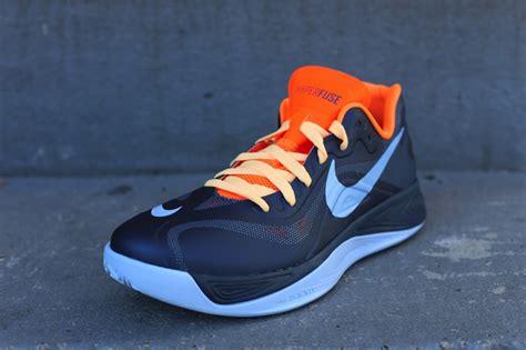 Sepatu Nike Hyperfose Low 01 on nike hyperfuse 2012 low squadron blue total orange