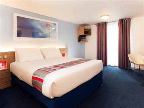 cheap rooms in chelmsford travelodge chelmsford hotel reviews photos prices