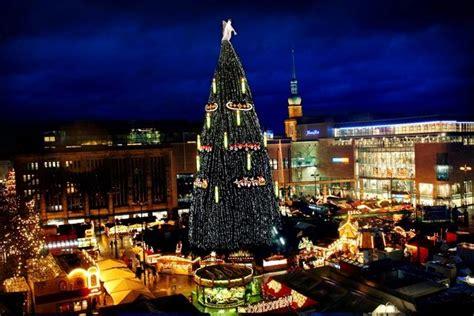 weihnachtsmarkt bilanz weihnachtsbaum bleibt besucher