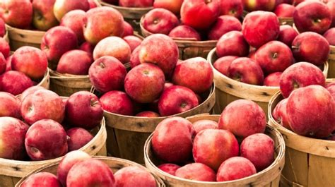 4 fruits to never eat never eat wax coated apples 4 easy ways to get rid of it