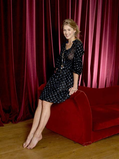emma mcbride actress rosamund pike pictures gallery 5 film actresses
