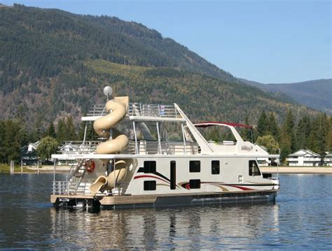 shuswap house boat what to expect on a shuswap houseboat vacation leavetown