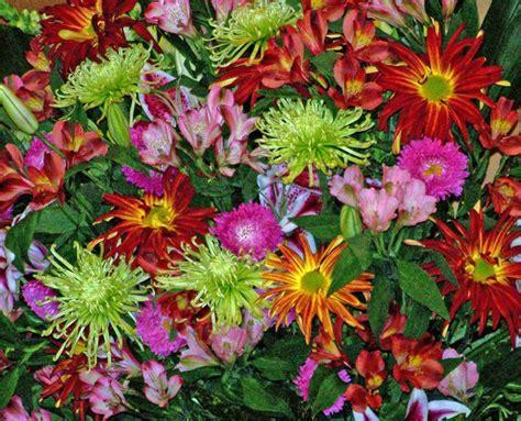 foto fiori coloratissimi addobbi per la chiesa foto matrimonio pourfemme
