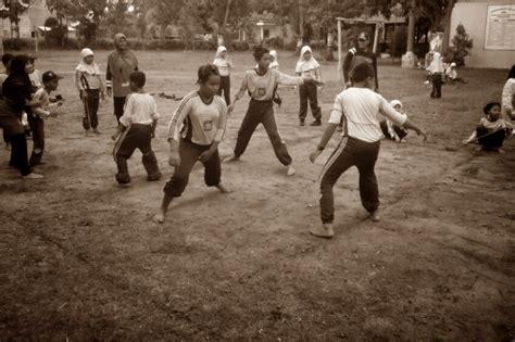 Sumatra Revolusi Dan Elite Tradisional 1 25 permainan tradisional indonesia beserta asal dan cara bermainnya