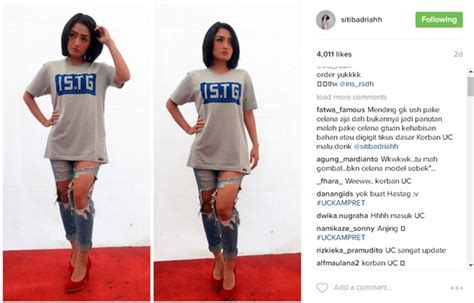 Zaskia Gotik Celana Ketat pakai celana sobek sobek siti badriah dikritik netter kabar berita artikel gossip