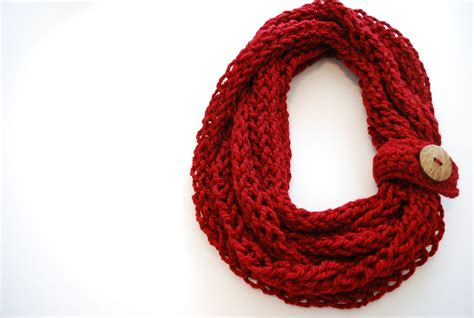 what to do with finger knitting chains finger knit infinity scarf free pattern make something