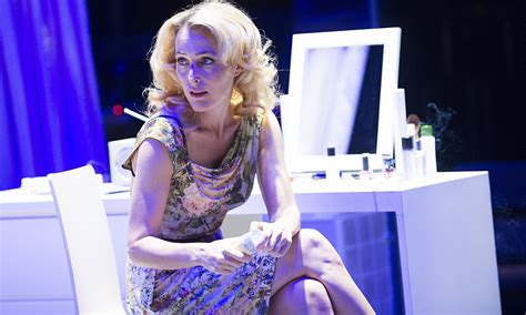 streetcar named desire review gillian anderson