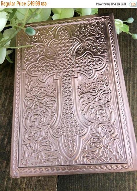 Wedding Bible Sale by 10 On Sale Gold Bible Cross Wedding Bible