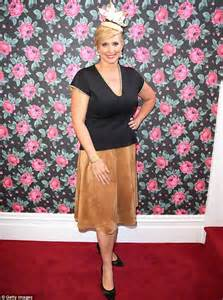 johanna griggs dresses down in shapeless skirt at stakes