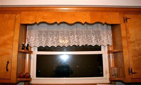 Wood Valances For Windows Decor Kitchen Window Wood Valances Bwgfkg Decorating Clear
