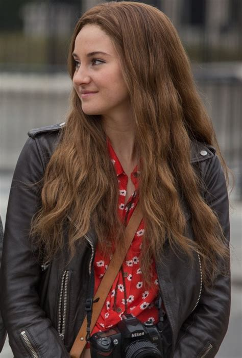 Woodley Blouse get shailene woodley s cool leather jacket and printed
