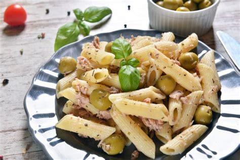 come si fa il tonno sott olio in casa pasta con olive e tonno senza pomodoro ricetta facile