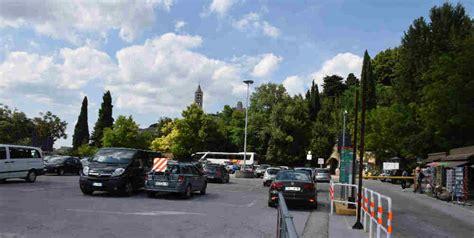 parcheggio porta nuova dove e come parcheggiare ad assisi parcheggio porta nuova