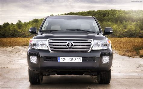 Toyota Land Cruiser V8 Toyota Land Cruiser V8 2012 Widescreen Car Picture