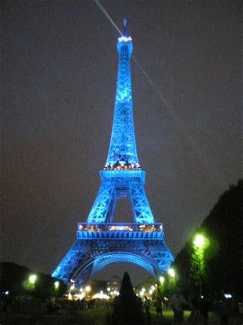 löwe tore torre eiffel by picture of eiffel rive gauche