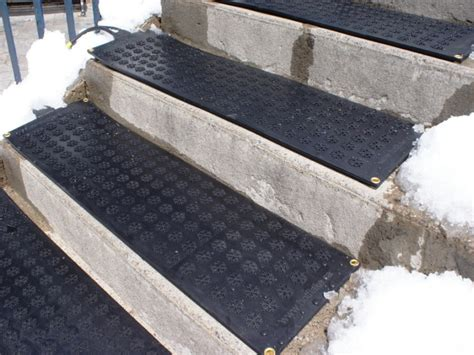 Outdoor Step Mats Rubber by Stair Home Exterior Design With Gray Concrete Stairs
