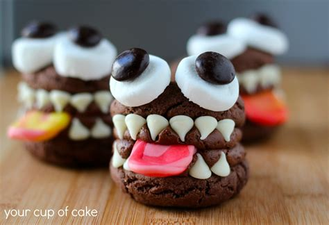 cute desserts 9 frighteningly cute ways to dress up your halloween desserts