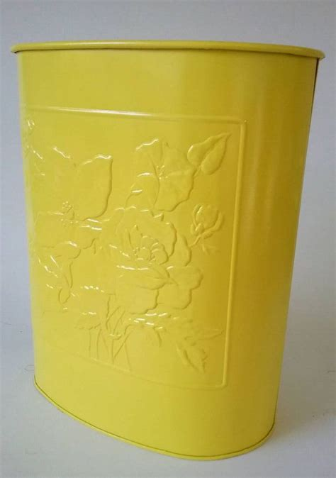 yellow kitchen trash can 1000 images about vtg kitchen trash cans on