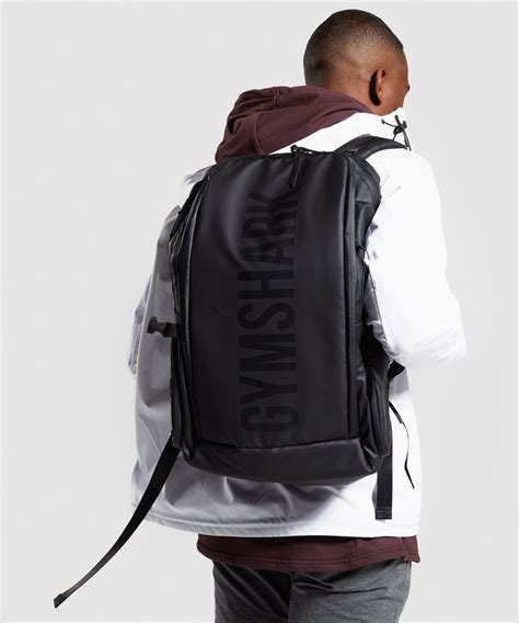 gymshark  series backpack  black gymshark