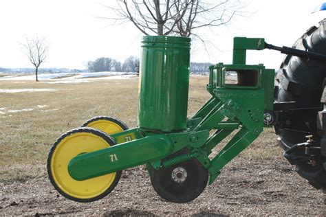 Midwest Wildlife Management Used John Deere 71 2 Row Planter Deere Planters