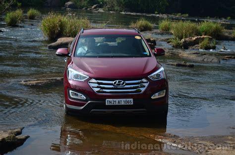 Water Hyundai Santafe 2013 hyundai santa fe review front in water indian autos