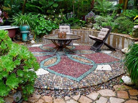 Pebble Mosaic Patio How To Make Natural Pebble Mosaic And Stepping Stones For