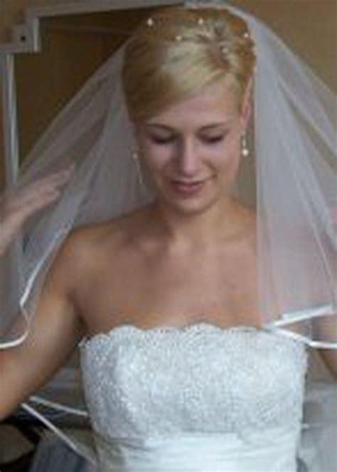 Brautfrisuren Kurze Haare Mit Schleier by Brautfrisuren Kurze Haare Mit Schleier