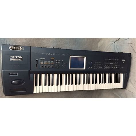 Keyboard Korg Tr used korg triton keyboard workstation guitar center