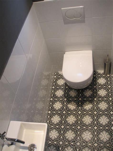cementtiles toilet gris 01 project designtegels nl