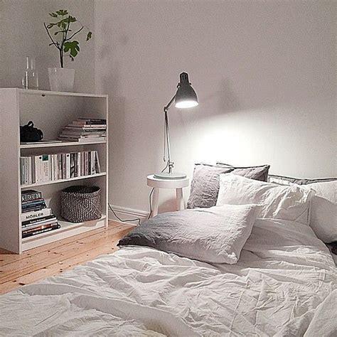 schlafzimmer ricarda fouremptywallss photo on instagram schlafzimmer