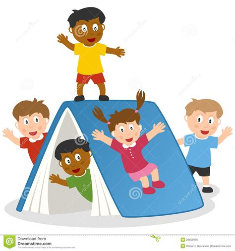 clipart bimbi bambini giocano con il libro gigante illustrazione