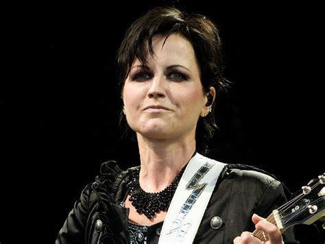 Dolores Drummer Had A Seizure Omg dolores o riordan lead singer of the cranberries dies at
