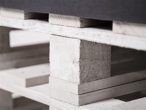 paletti  sitzer sofa aus paletten weiss lackiert