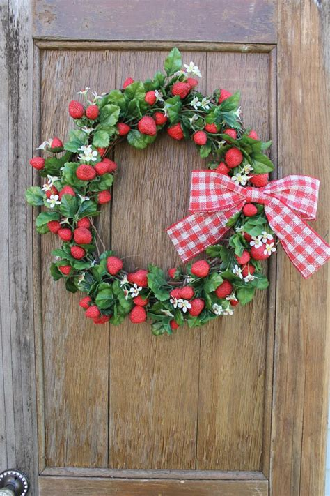 Berry Wreaths Front Door Top 25 Ideas About Berry Wreath On Berry Wreath Berry Berry And Birch Bark Decor