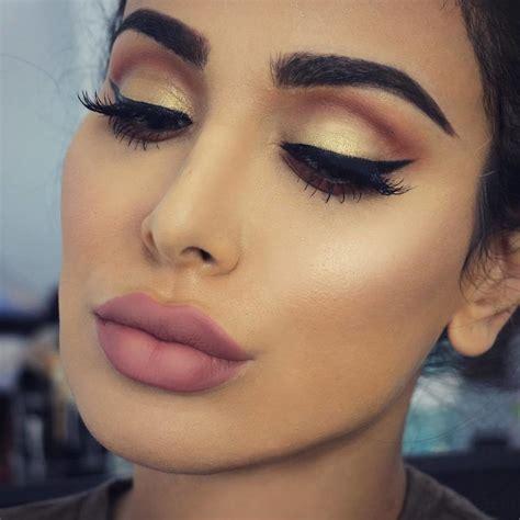 Eyeshadow Huda huda reveals amazing new eyeshadow palette revelist