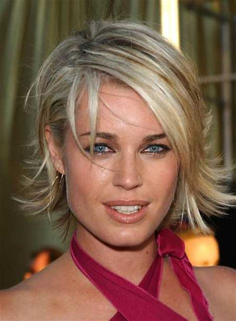 updated flip hairdo haircut styles flip out short hairstyle 2013