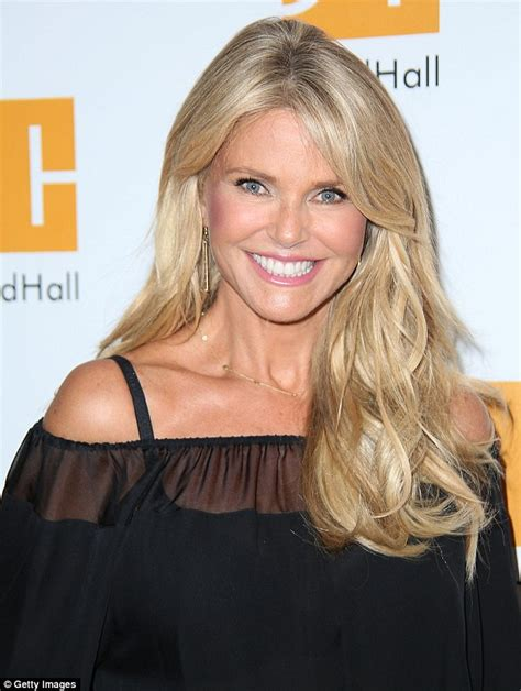 images of 61year old women christie brinkley poses with lookalike daughter sailor and